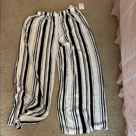 Forever 21 Pants - Forever 21 Flowy Pants Never worn